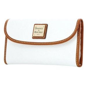 NWT Dooney & Bourke White Pebbled Leather Wallet